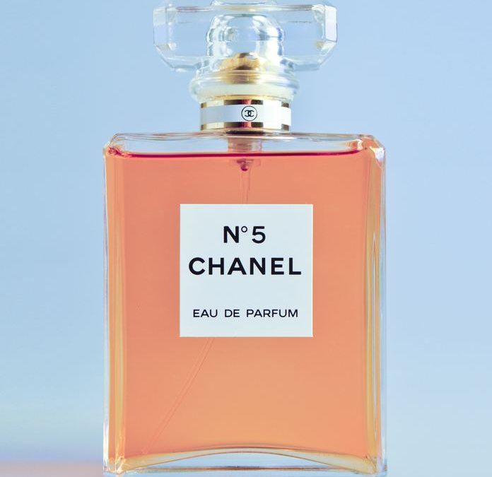 Butik med massor av parfym